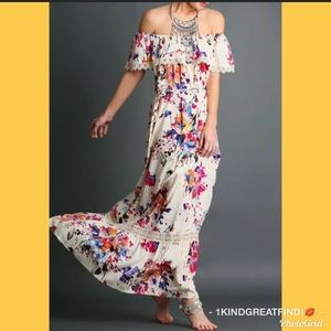 UmGee Floral off the shoulder maxi dress SizeSMALL